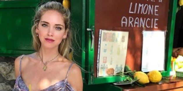 Chiara Ferragni da Capri risponde in maniera definitiva a chi la accusa di stare con Fedez solo per