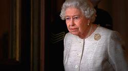 Buckingham Palace in subbuglio. La Regina sta preparando la successione e questo gesto lo