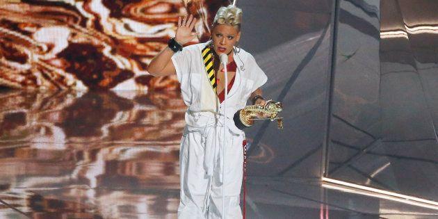 MTV Video Music Awards 2017: il dettaglio pungente dell'abito di