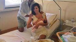 La Balivo pubblica una foto della neonata Cora tra pecorino e prosciutto e scatena l'ironia degli