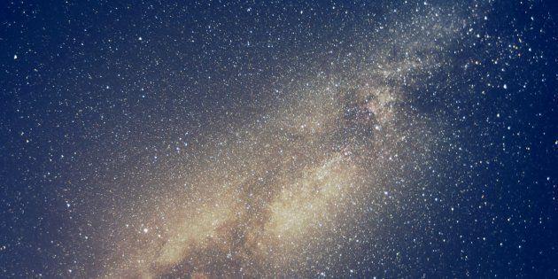 Captati misteriosi segnali radio provenienti dallo spazio: la scoperta di scienziati in cerca di tracce