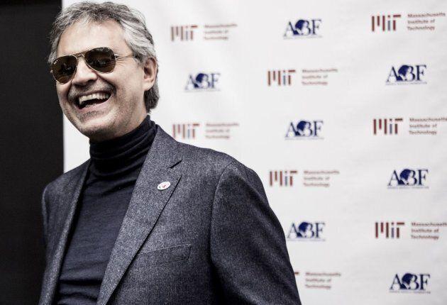 """Andrea Bocelli: """"Canterò con un robot. Perché dietro la macchina c'è sempre un uomo, la sua sensibilità..."""