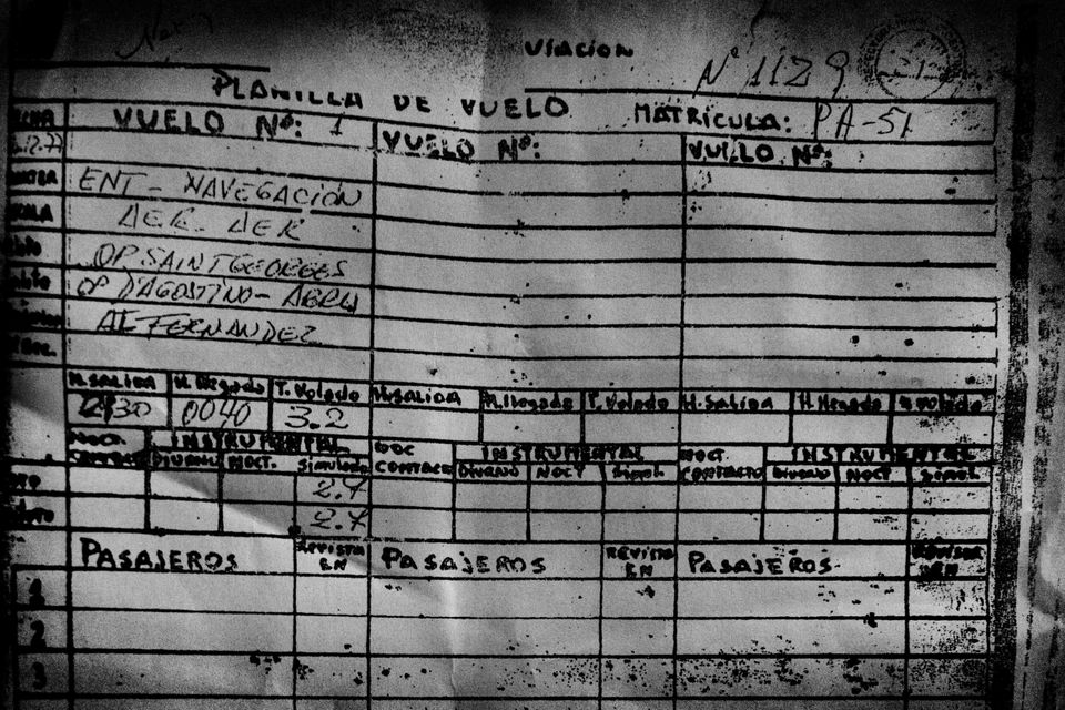 The flight plan (technical log) of the 14th of december 1977 flight for which three pilots (de saintgeorges,...