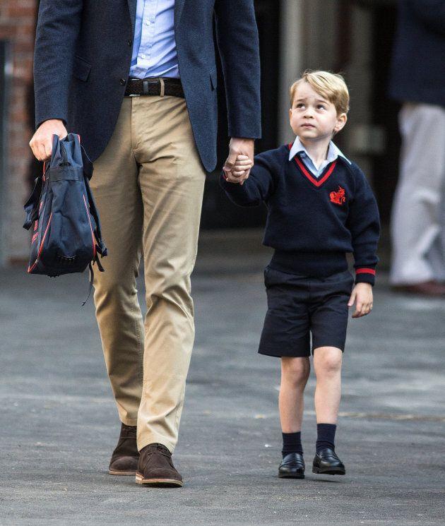 Un calzolaio sostiene che George abbia indossato i suoi mocassini da 40 sterline per il primo giorno...