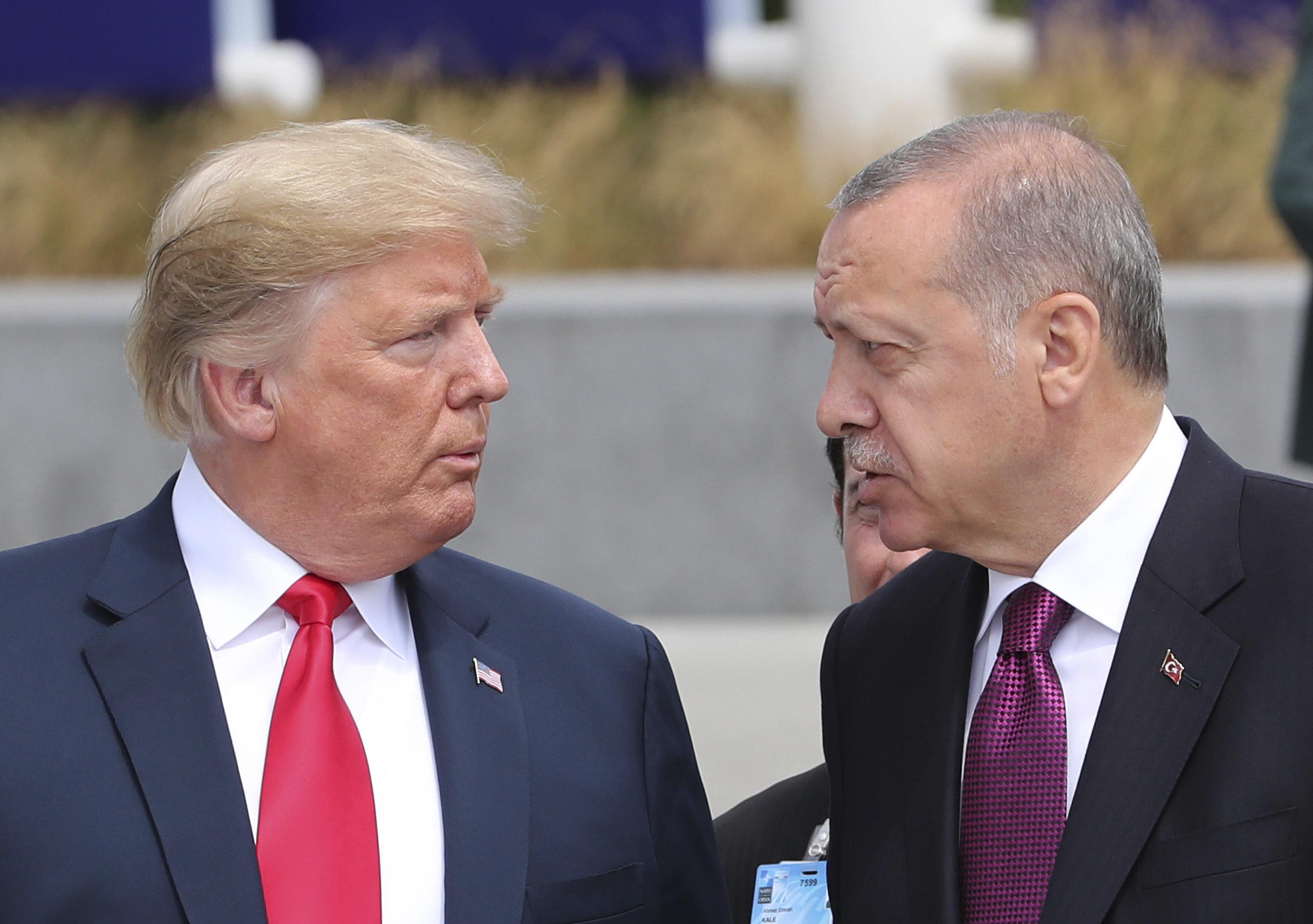 Τηλεφωνική επικοινωνία Τραμπ-Ερντογάν για τους ρωσικούς