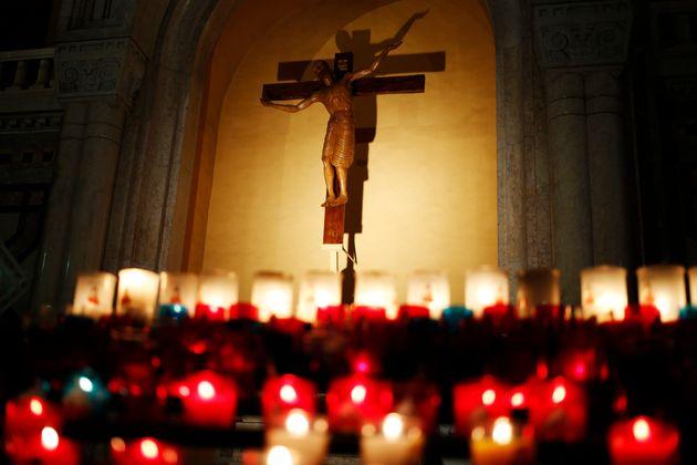 Pédophilie: l'archevêque d'Avignon dénonce des faits anciens dans un sermon de messe...