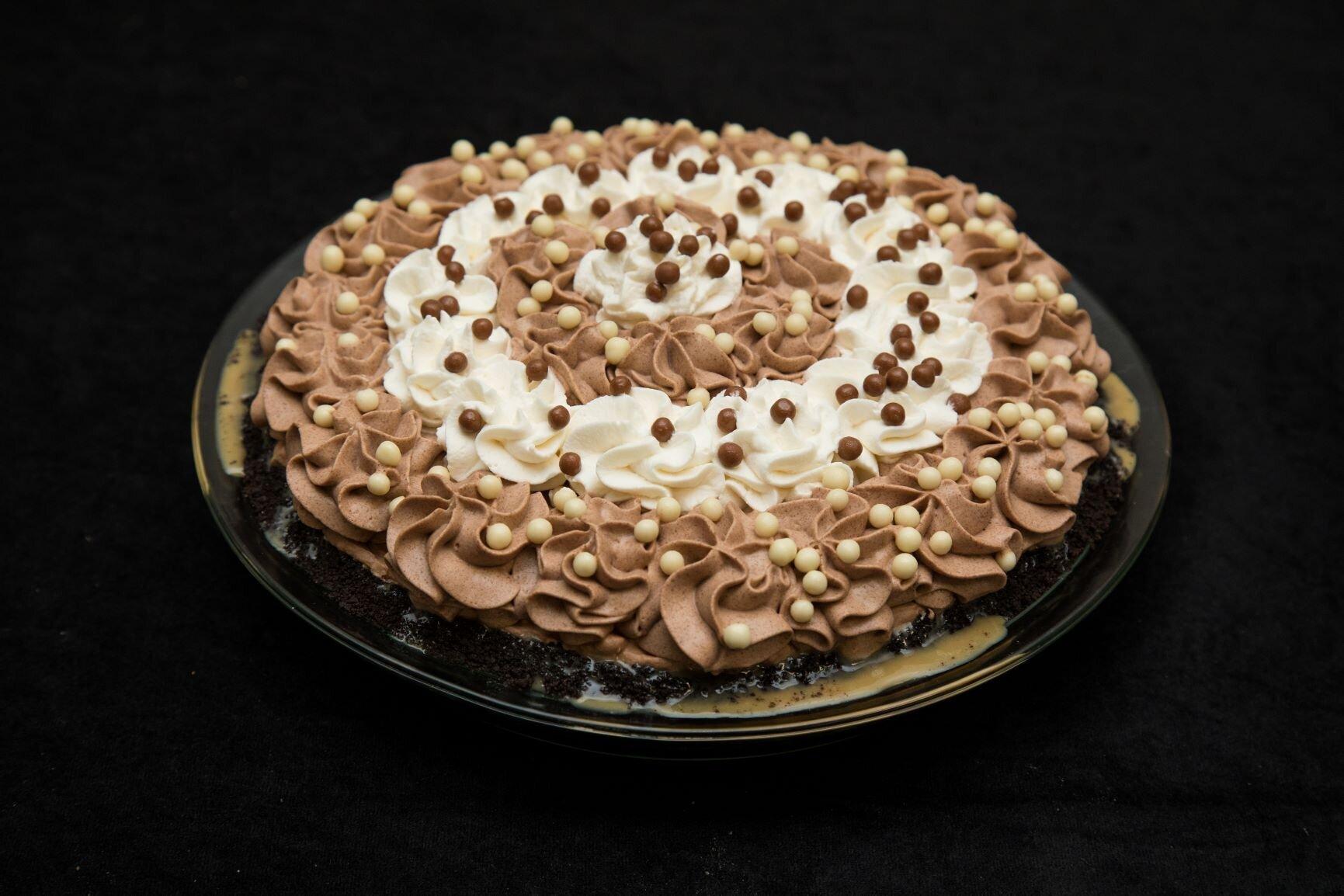 This is Rhonda Hull's top-prize-winning Denali Caribou Crunch Pie.