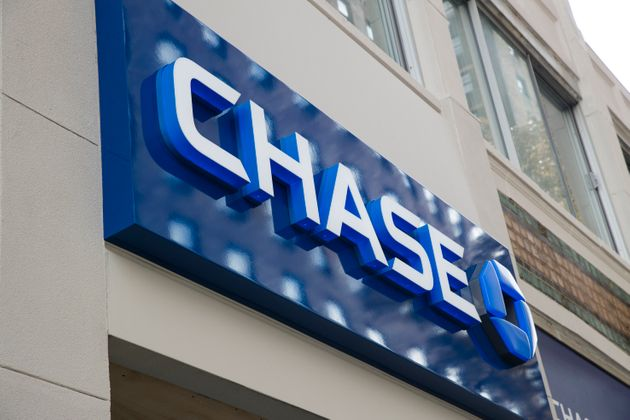 Twitter Users Blast Chase Bank Over Tone-Deaf Tweet About Struggling