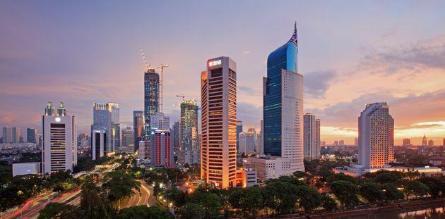 인도네시아가 자카르타에서 수도를