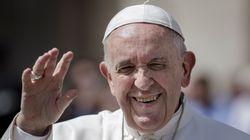 Βατικανό: Οχι στο κουτσομπολιό στα κέντρα αισθητικής και στα κομμωτήρια λέει ο Πάπας