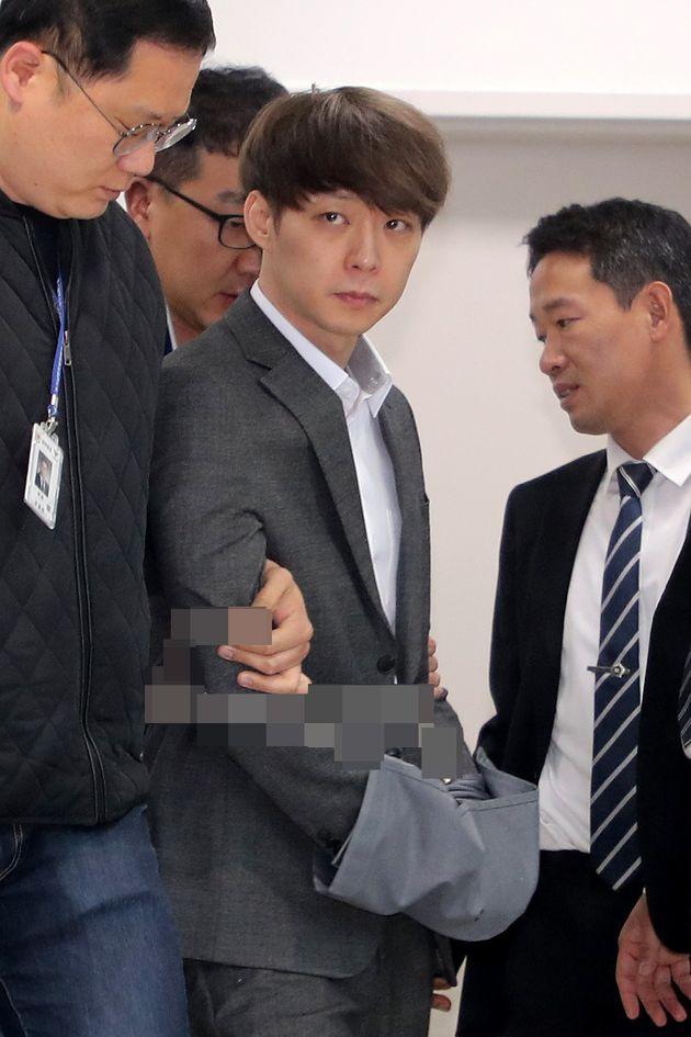 다섯 번이나 마약 투약 혐의를 부인했던 박유천은 왜 갑자기 태도를