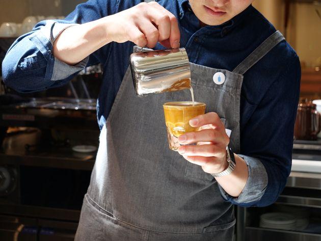 블루보틀 한국 1호점 오픈을 9시간 기다린 사람들을