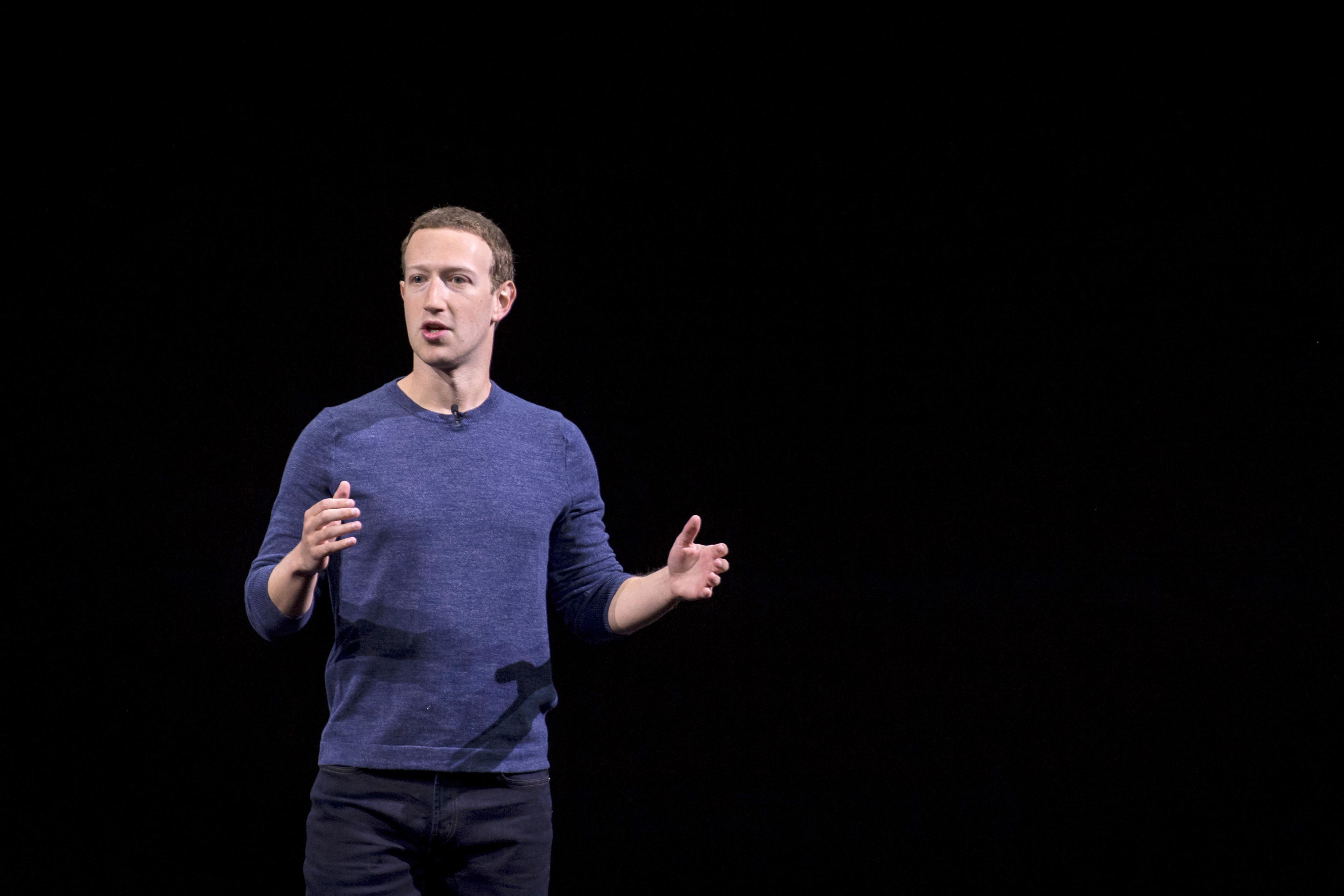 El peculiar regalo de Mark Zuckerberg a su pareja: ¿Qué pensarías si a ti te dan