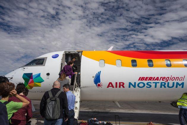 Air Nostrum reliera Melilla à Barcelone, Almería, Grenade et