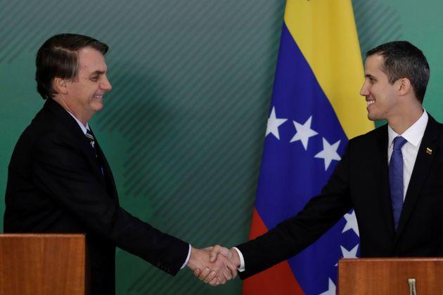 O Brasil, assim como os Estados Unidos, apoiam o presidente autodeclarado Juan