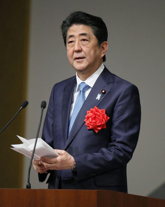 安倍晋三首相(写真は4月10日の天皇陛下即位30年を祝う「感謝の集い」)