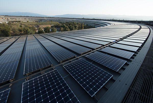 애플 본사 건물에 설치된 태양광