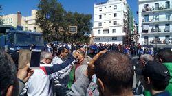 Marche bloquée place du 1er mai: ceci est un syndicat pas une 3issaba