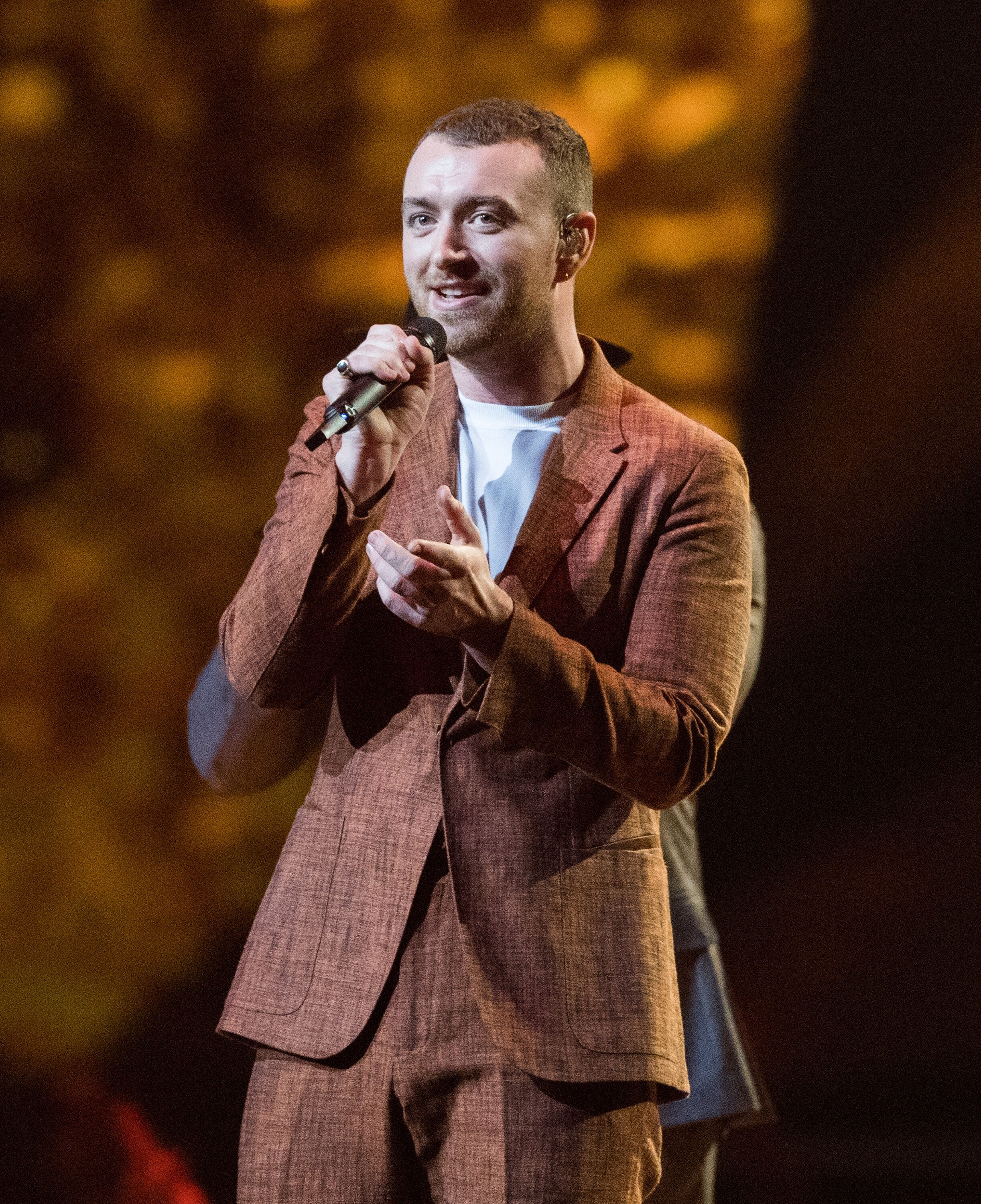 LONDON, ENGLAND - FEBRUARY 21:  *** EDITORIAL USE ONLY IN RELATION TO THE BRIT AWARDS 2018 *** Sam Smith performs at The BRIT Awards 2018 held at The O2 Arena on February 21, 2018 in London, England.  (Photo by Samir Hussein/Samir Hussein/WireImage)