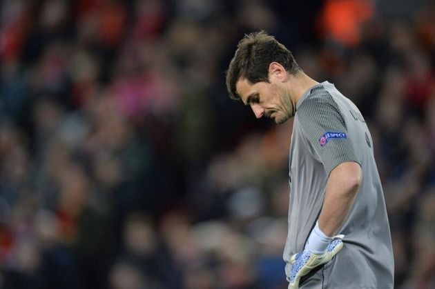 Piqué, Pedro Sánchez, Banderas, el Real Madrid... Todos se vuelcan con Casillas tras sufrir un