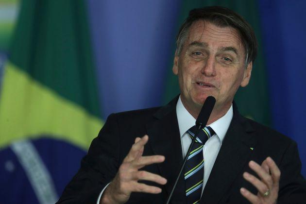 Em reunião, Bolsonaro citou a política de reajuste de preços de combustíveis...