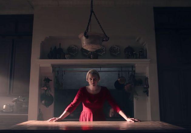 Elisabeth Moss em cena do trailer da terceira temporada de 'O Conto da