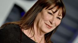 Anjelica Huston Backs Roman Polanski, Says She'd Work With Woody Allen