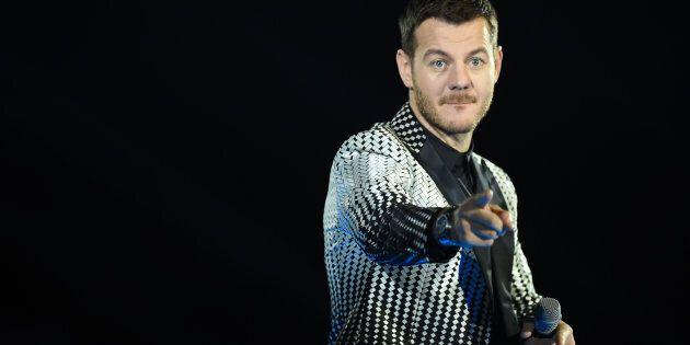 Cattelan lascia X-Factor? L'annuncio del programma su Facebook (ma è un pesce