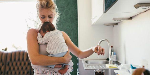 Inps: stop al bonus baby sitter per le mamme che rinunciano al congedo