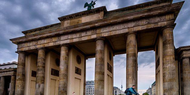 Gli ordini industriali tedeschi crollano ancora con il maggior ribasso da due anni. Più che dimezzate...
