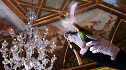 Bollicine da rito: dallo Champagne al Franciacorta, torna la sciabolata. Da Roma a New York eventi, festival e tappi in
