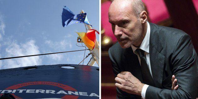 La nave di Mediterranea - il senatore Gregorio De