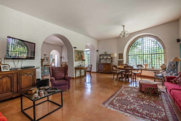 La casa di Eduardo De Filippo fuori Roma è in vendita: costa 1,5 milioni di