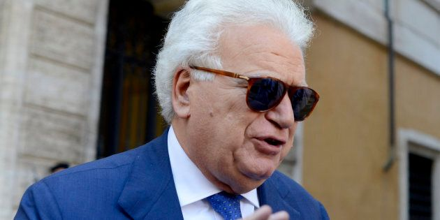 Ladri in azione a casa Verdini. La stessa dove nel weekend precedente era stato ospite Salvini con la...