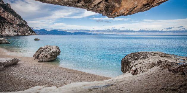 Murales, grotte e canyon: l'Ogliastra si anima a Tortolì in Fiore,