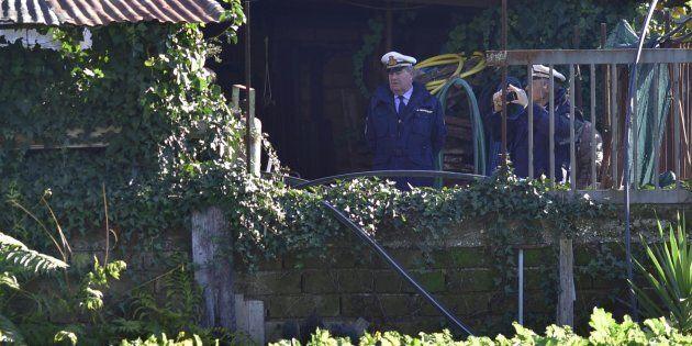 Il papà di Luigi Di Maio abbatte le strutture abusive di