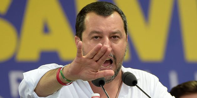 La Lega contro un libro su Salvini utilizzato all'Università: