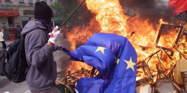 Una rabbia dilagante. Sondaggi Swg: in Europa sfiducia verso la politica e sospetto verso il modello