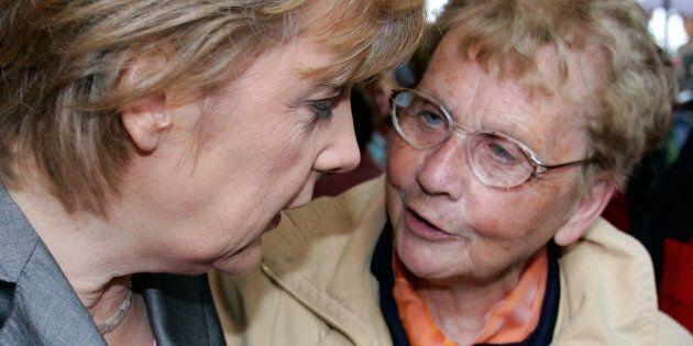 Angela Merkel, il lutto per la morte della madre non ferma l'agenda di