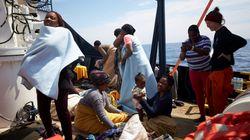 I 64 migranti della Alan Kurdi sbarcano a Malta. Salvini: nessuno arriverà in