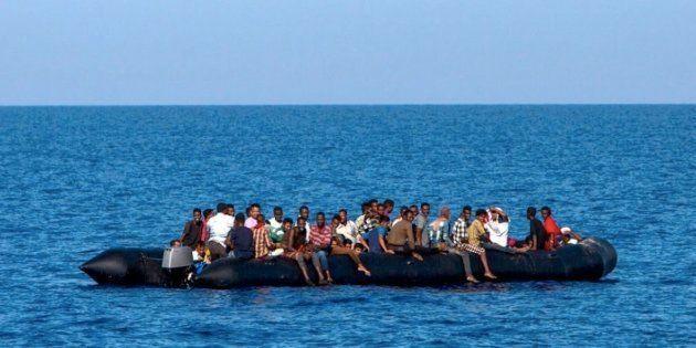 Libia, pronti a fuggire dalla guerra seimila libici. Direzione