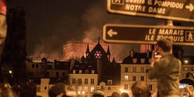Se Notre Dame brucia