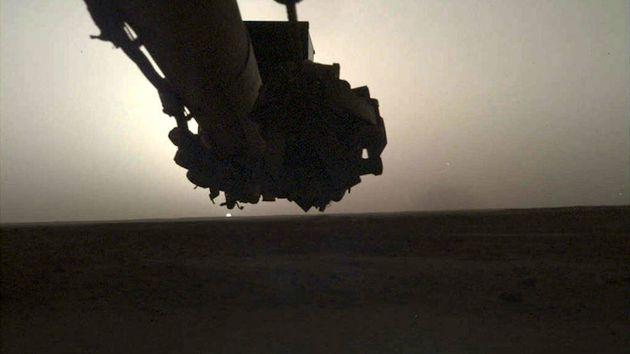 나사의 화성 탐사선이 보내온 화성의 일출과