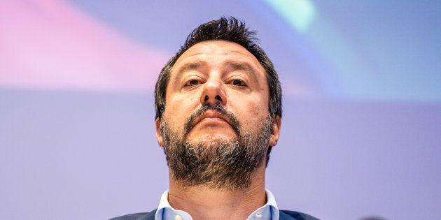 Generali chi? Matteo Salvini ignora le critiche dei militari: