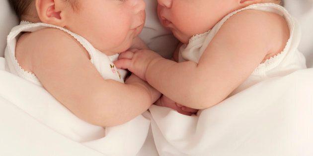 Gemelli di Lodi nascono a due mesi di distanza l'uno dall'altro. Parto eccezionale salva la vita a bimbi...