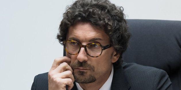 Danilo Toninelli ritira le deleghe a