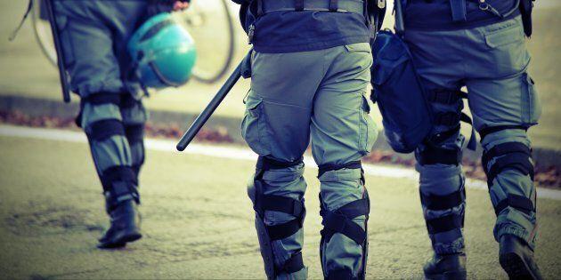 Un poliziotto non può non essere