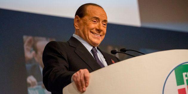 Berlusconi lancia l'alleanza tra popolari e sovranisti