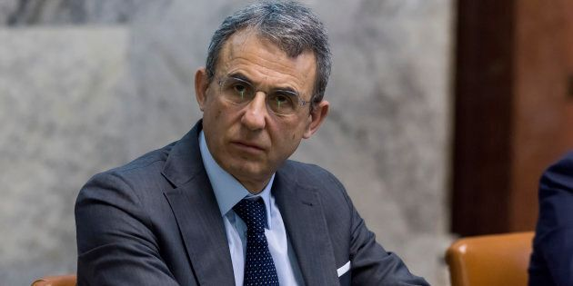 Il ministro Costa chieda scusa per l'allarme sulla presenza di amianto lungo la