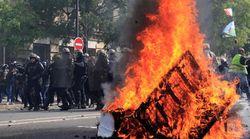 Scontri a Parigi tra black bloc e polizia. In piazza si mischiano sindacati e gilet